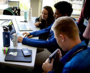 Startup Hackathon contestants